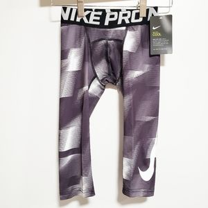 NIKE Boy Capri Black and White Leggings